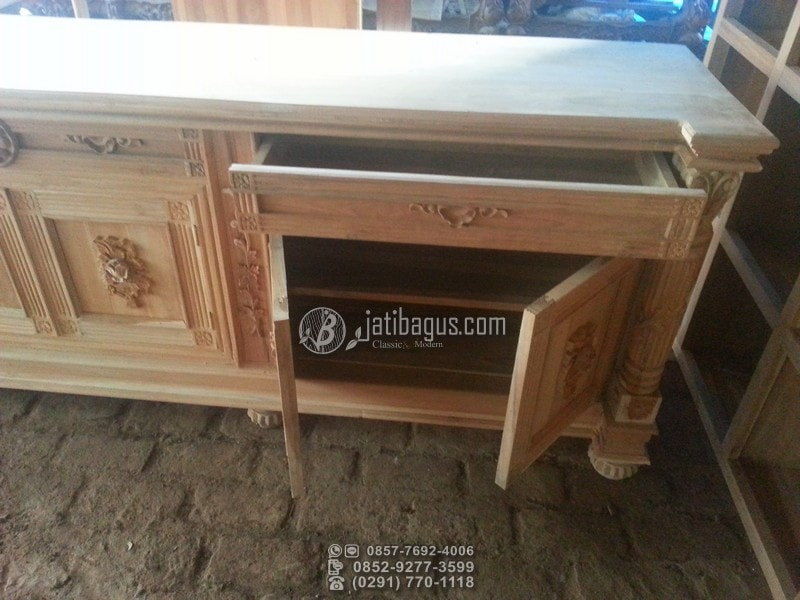 Meja Pendek Tv Ruang Tamu 6 Pintu Ukir