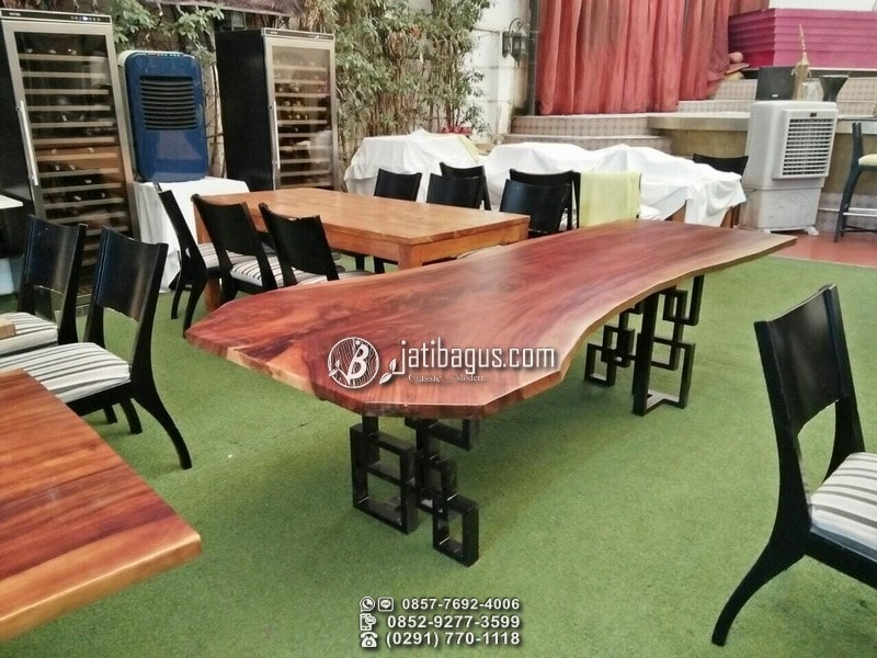 Meja Minimalis Besar Kafe Restoran