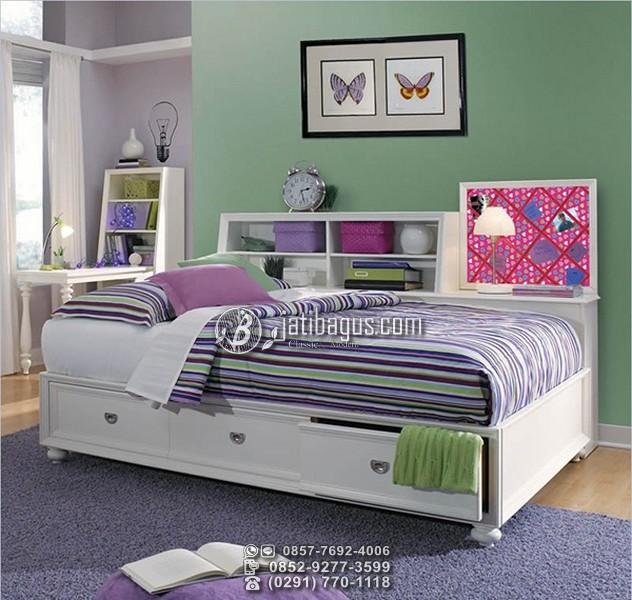 Tempat Tidur Minimalis Dengan Laci Multifungsi